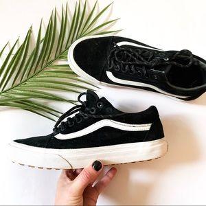 Vans | Black + White Classic Sneaker
